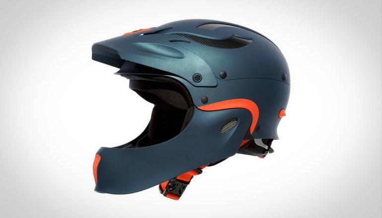whitewater kayaking helmets