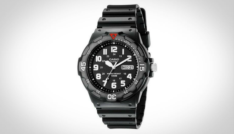 Casio Men Sport Analog Dive Watch